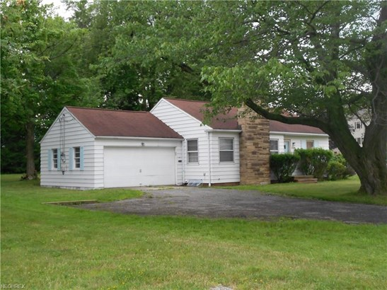 Ranch, Single Family - Garfield Heights, OH (photo 3)
