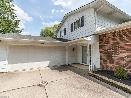Split Level, Single Family - Broadview Heights, OH (photo 3)