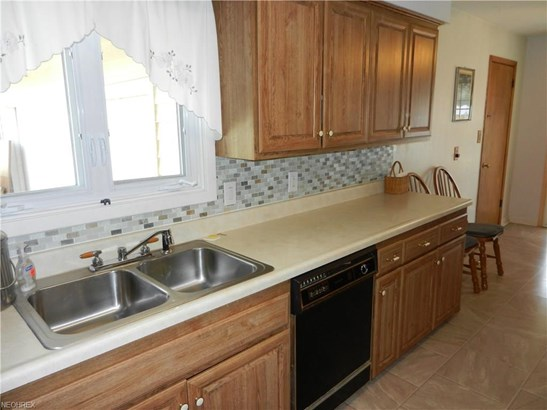 Ranch, Single Family - Olmsted Township, OH (photo 5)