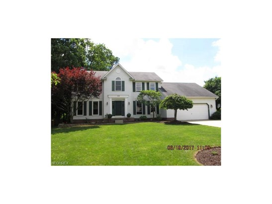 Colonial, Single Family - Sagamore Hills, OH (photo 1)