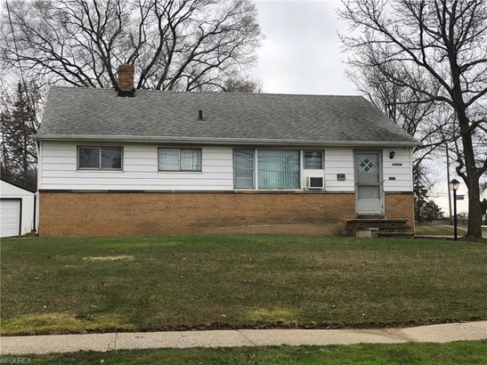 Ranch, Single Family - Maple Heights, OH (photo 1)