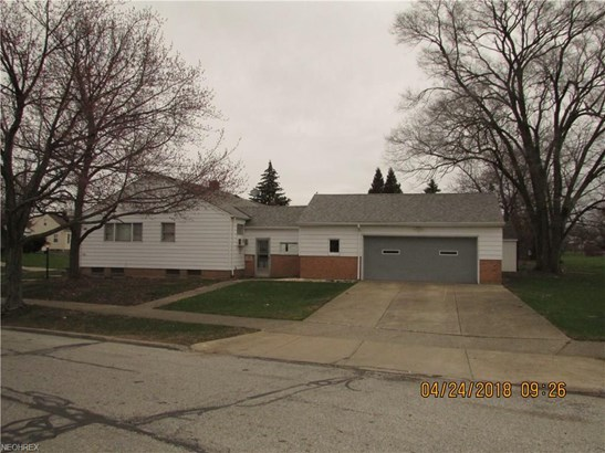 Ranch, Single Family - Maple Heights, OH (photo 3)