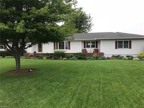 Ranch, Single Family - Bellevue, OH (photo 2)