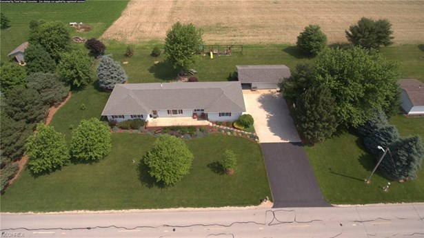 Ranch, Single Family - Bellevue, OH (photo 4)