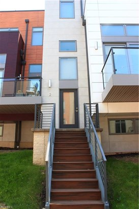 Contemporary/Modern,Townhouse, Single Family - Lakewood, OH (photo 1)