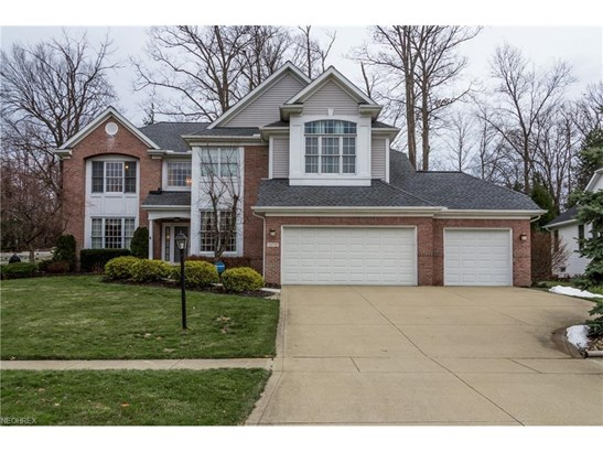 Colonial, Single Family - Strongsville, OH (photo 1)