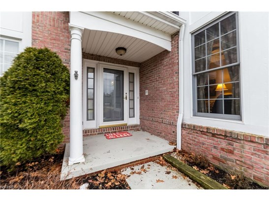 Colonial, Single Family - Strongsville, OH (photo 5)