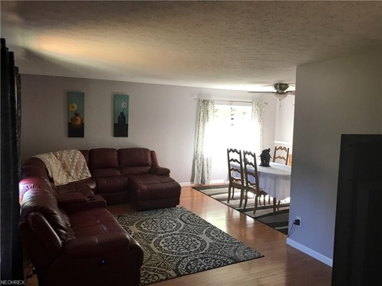 Ranch, Single Family - Twinsburg, OH (photo 2)