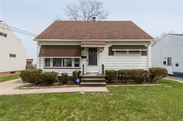 Bungalow, Single Family - Brook Park, OH (photo 2)