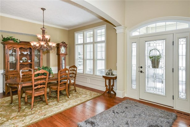 Cape Cod, Single Family - Broadview Heights, OH (photo 4)