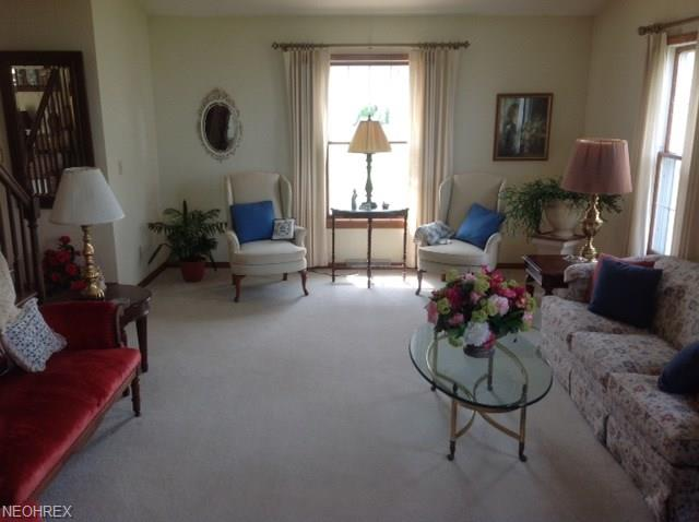 Colonial, Single Family - Vermilion, OH (photo 5)