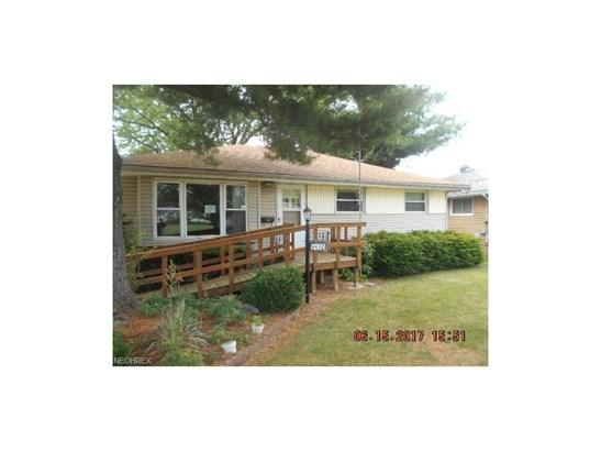 Ranch, Single Family - Brook Park, OH (photo 1)