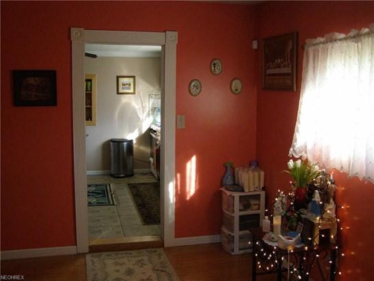 Cape Cod, Single Family - Lorain, OH (photo 4)