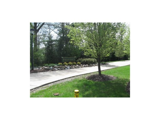 Residential - Olmsted Falls, OH (photo 4)