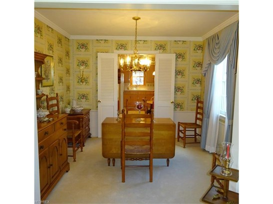 Colonial, Single Family - North Olmsted, OH (photo 5)