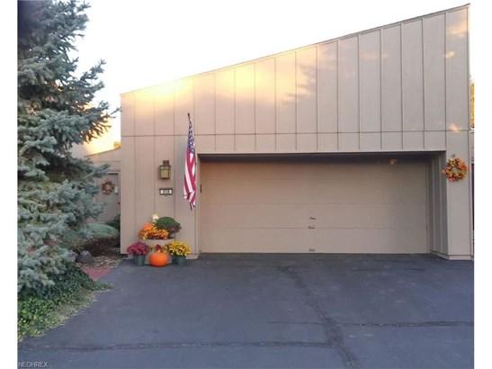Condominium, Ranch - Berea, OH (photo 1)