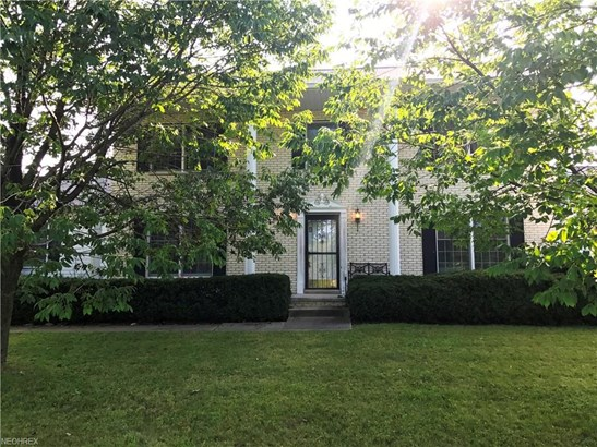 Colonial, Single Family - Litchfield, OH (photo 2)