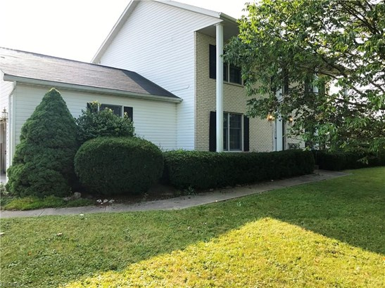 Colonial, Single Family - Litchfield, OH (photo 5)