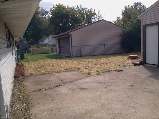 Ranch, Single Family - Sheffield Lake, OH (photo 4)