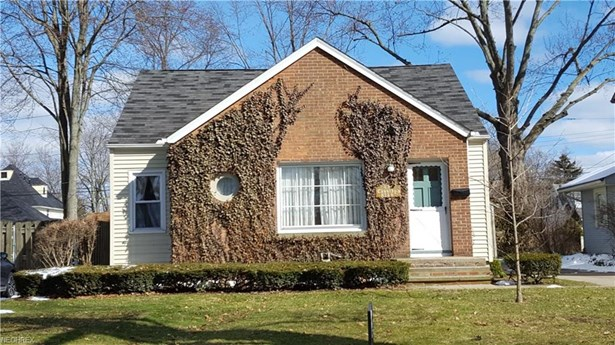 Cape Cod, Single Family - Olmsted Falls, OH (photo 2)