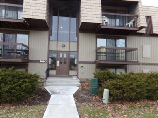 Condominium, Ranch - North Royalton, OH (photo 1)