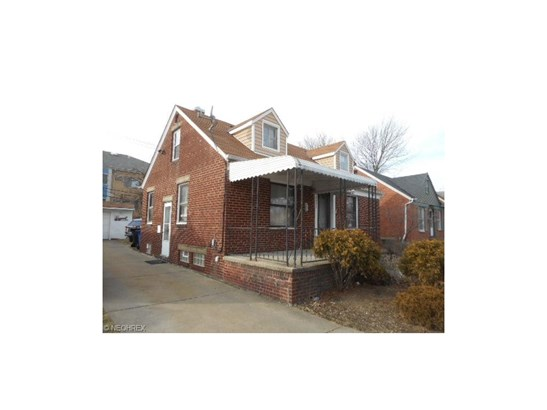 Bungalow, Single Family - Cleveland, OH (photo 2)