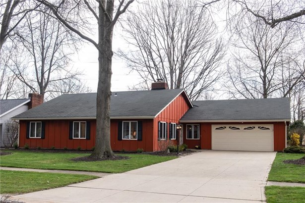 Ranch, Single Family - Berea, OH (photo 2)