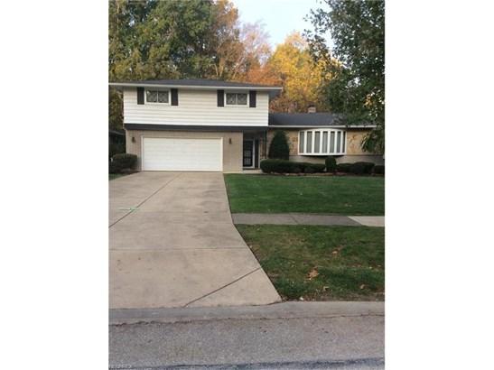 Split Level, Single Family - Middleburg Heights, OH (photo 1)