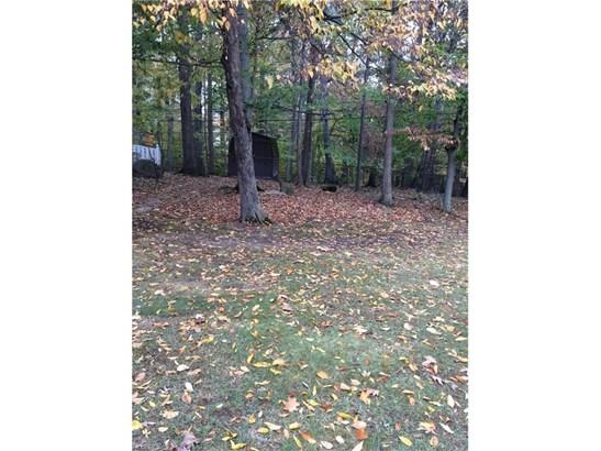 Split Level, Single Family - Middleburg Heights, OH (photo 3)