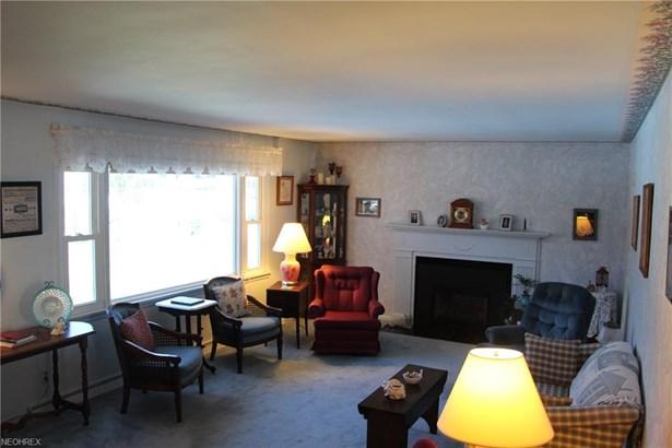 Split Level, Single Family - Silver Lake, OH (photo 2)