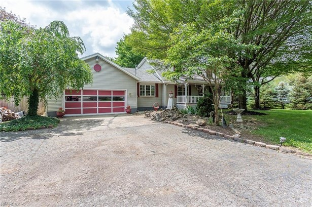 Cape Cod,Colonial,Other, Single Family - Vermilion, OH (photo 1)