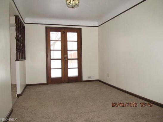 Ranch, Single Family - Maple Heights, OH (photo 5)