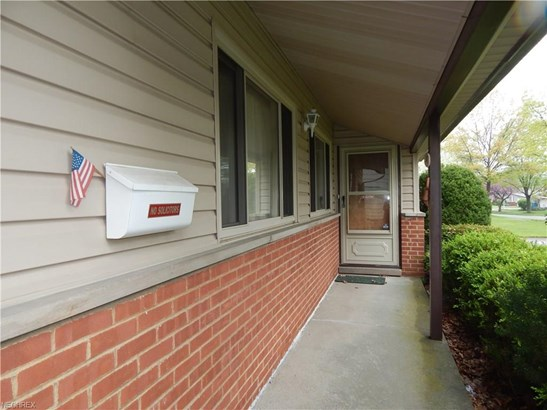 Ranch,Split Level, Single Family - Parma Heights, OH (photo 3)