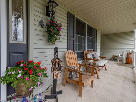 Colonial, Single Family - Lagrange, OH (photo 2)