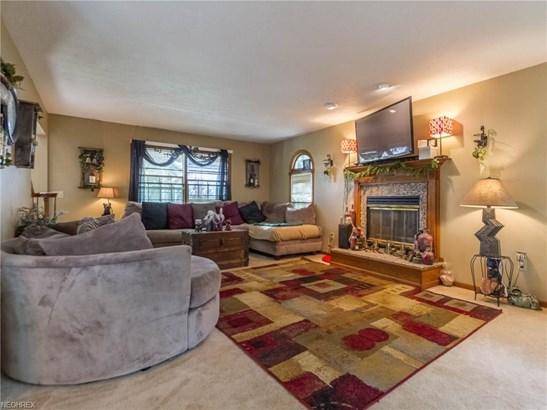 Colonial, Single Family - Lagrange, OH (photo 5)