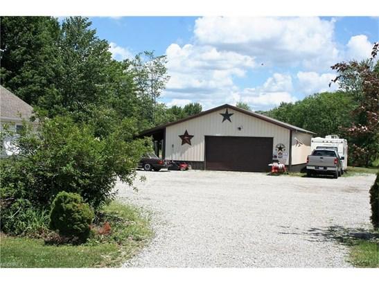 Colonial, Single Family - Grafton, OH (photo 2)