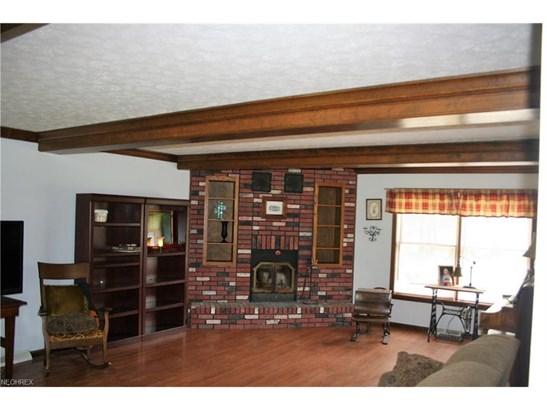 Colonial, Single Family - Grafton, OH (photo 5)
