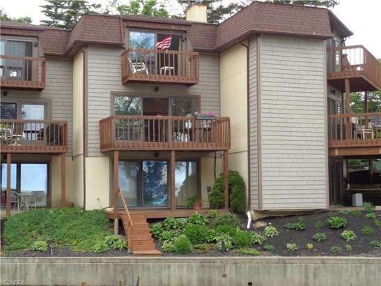 Condominium, Multi-Unit Building,Townhouse - Vermilion, OH (photo 1)