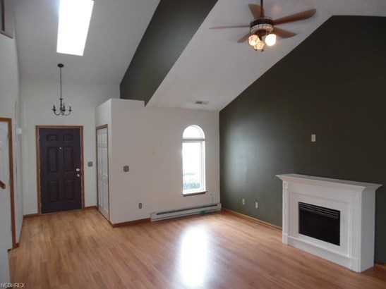 Condominium, Colonial - Tallmadge, OH (photo 5)