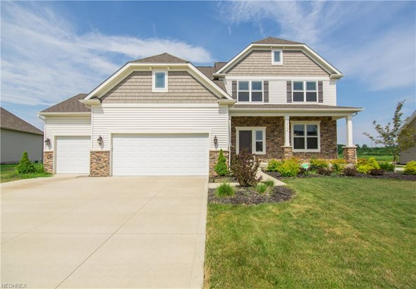 Colonial, Single Family - North Ridgeville, OH