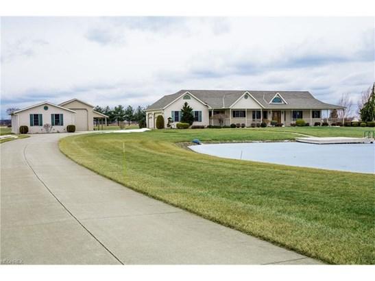 Ranch, Single Family - Wellington, OH (photo 2)