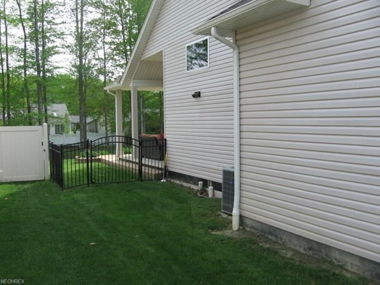 Colonial, Single Family - Strongsville, OH (photo 3)