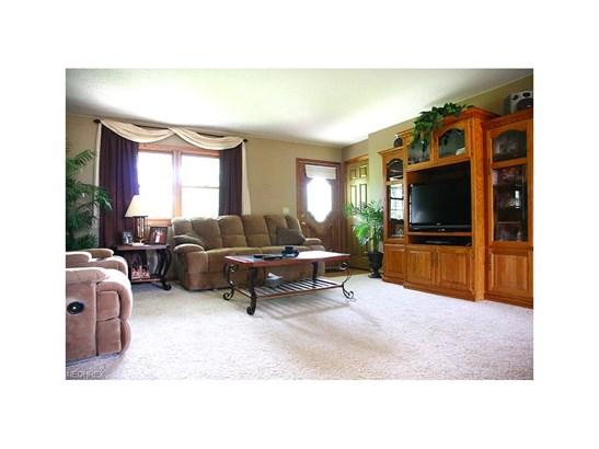Ranch, Single Family - Elyria, OH (photo 3)