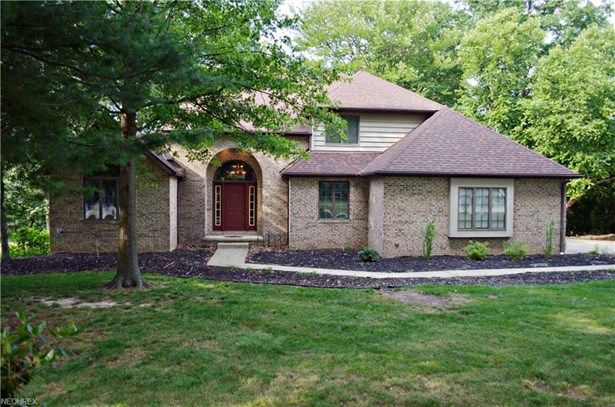 Colonial, Single Family - Lorain, OH