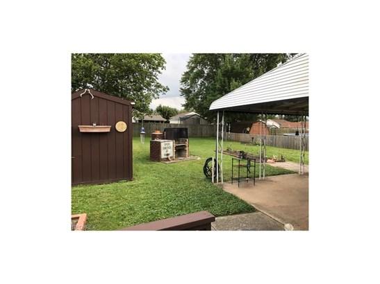 Ranch, Single Family - Brook Park, OH (photo 4)