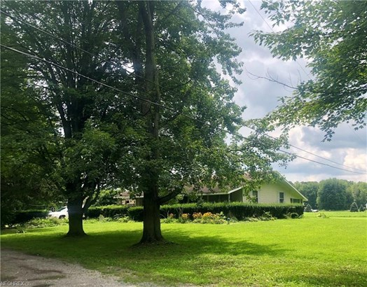 Conventional,Ranch, Single Family - Southington, OH (photo 2)