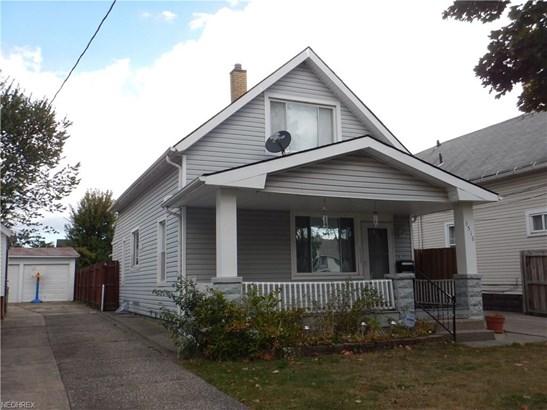 Bungalow, Single Family - Cleveland, OH (photo 3)