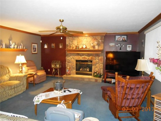 Colonial, Single Family - Seven Hills, OH (photo 4)
