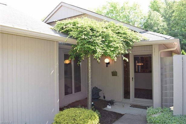 Cluster Home,Ranch, Single Family - Strongsville, OH (photo 2)