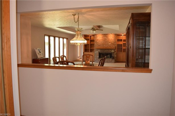Cluster Home,Ranch, Single Family - Strongsville, OH (photo 3)
